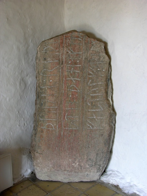 Runesten Or Alling Kirke