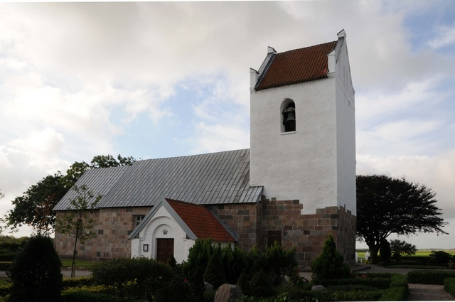Vedersoe Kirke photo
